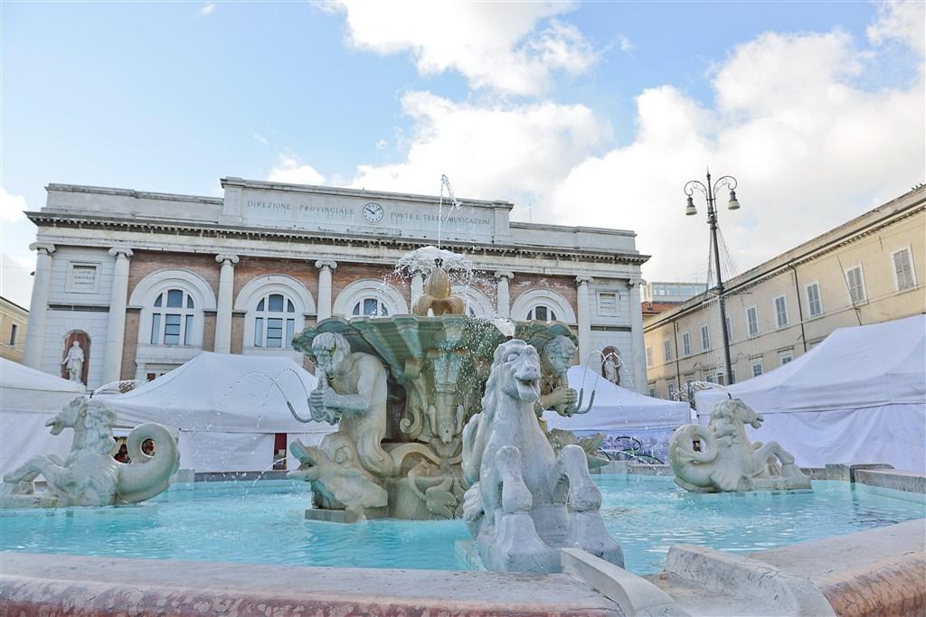 Pesaro - doprava - Chorvatsko