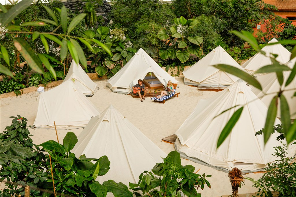 Tropical Islands -