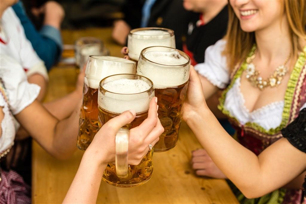 Oktoberfest - slavnosti piva v Mnichově -