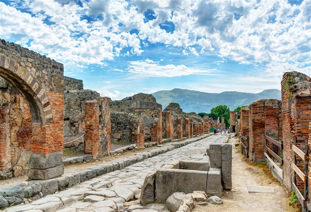 Řím, Neapol, Pompeje, Vesuv -