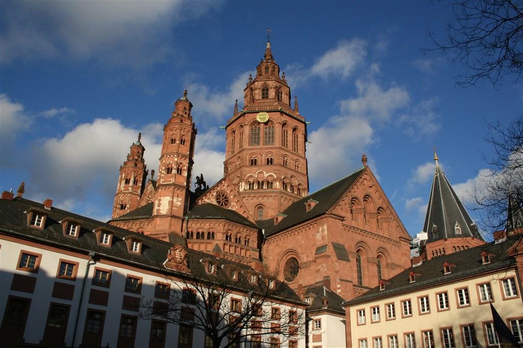 Města a katedrály Rýna a Mosely -